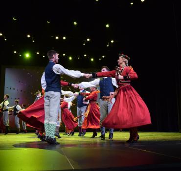 Ar sirdi dejā un svētkos