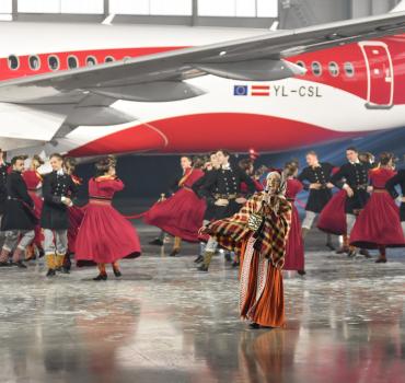 Atklājot AirBaltic #LV100 lidmašīnu